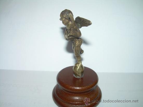 Antigüedades: ANTIGUA Y PEQUEÑA FIGURA ANGEL DE BRONCE SOBRE PEANA DE MADERA. - Foto 3 - 32595386