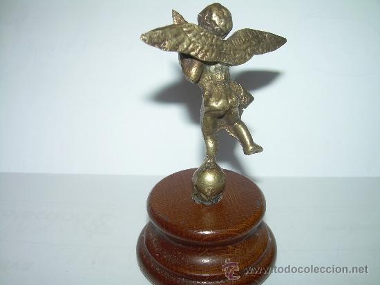 Antigüedades: ANTIGUA Y PEQUEÑA FIGURA ANGEL DE BRONCE SOBRE PEANA DE MADERA. - Foto 4 - 32595386