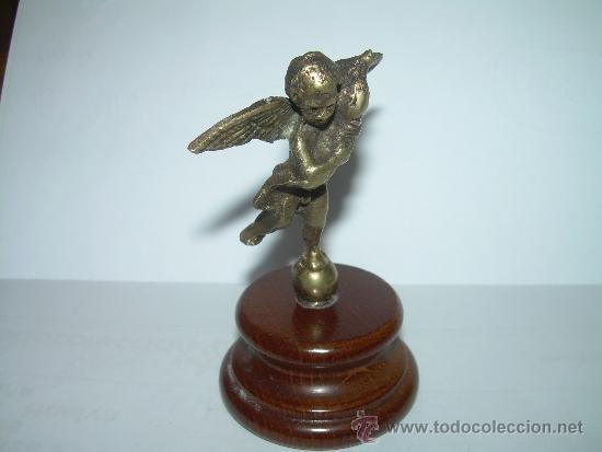 Antigüedades: ANTIGUA Y PEQUEÑA FIGURA ANGEL DE BRONCE SOBRE PEANA DE MADERA. - Foto 5 - 32595386