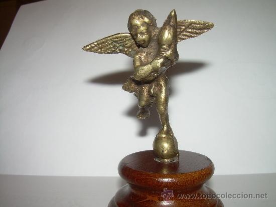 Antigüedades: ANTIGUA Y PEQUEÑA FIGURA ANGEL DE BRONCE SOBRE PEANA DE MADERA. - Foto 6 - 32595386