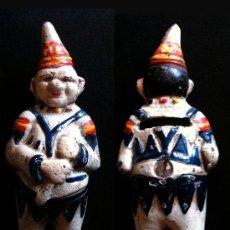 Antigüedades: HUCHA DE HIERRO FORMA PAYASO. Lote 32596450