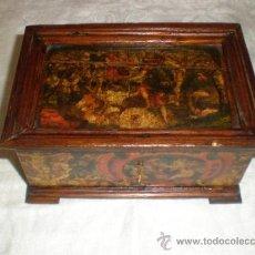 Antigüedades: CAJA DE MADERA CON APLICACION PAPEL. Lote 32663530