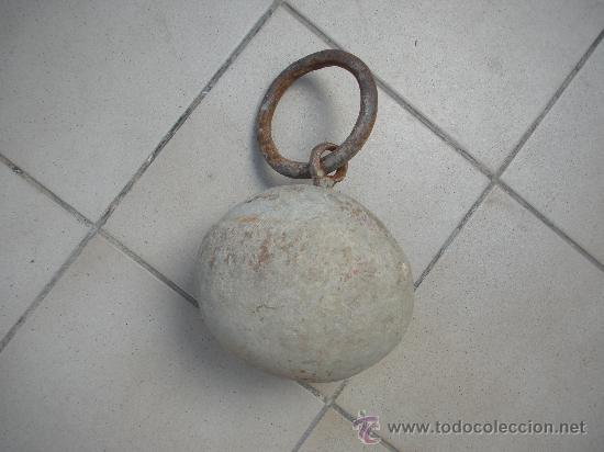 ANTIGUA PIEDRA REDONDA PARA ATAR LOS ANIMALES EN LOS CAMPOS (Antigüedades - Técnicas - Rústicas - Caballería Antigua)