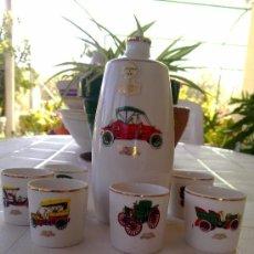 antiguo juego de licor y 6 vasitos de porcelana