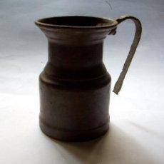 Antigüedades: JARRA ( LECHERA ) DE COBRE--ARTESANAL HECHA A MANO Y MARTILLO. Lote 32690195