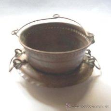 Antigüedades: PEQUEÑA CAZUELA DE COBRE--ARTESANAL HECHA A MANO Y MARTILLO. Lote 32690258