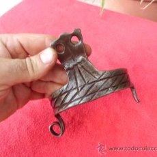 Antigüedades: ANTIGUO BOCADO DE BURRO DE FORJA CINCELADO B-3. Lote 32733100