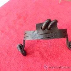 Antigüedades: ANTIGUO BOCADO DE BURRO DE FORJA CINCELADO B-1. Lote 32733203