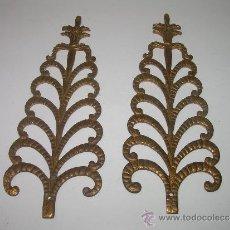 Antigüedades: ANTIGUOS Y BONITOS ADORNOS PARA MUEBLES DE BRONCE DORADO....SIGLO XIX.. Lote 32757245
