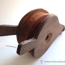 Antigüedades: FUELLE DE MADERA Y PIEL. Lote 32894363