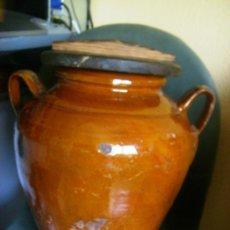 Antigüedades: BONITA ORZA O TINAJA ANTIGUA VIDRIADA CON TAPA DE MADERA.. Lote 32953314
