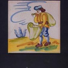 Antigüedades: ANTIGUO AZULEJO DE ARTES Y OFICIOS DE 15 X 15 CMS. PINTADO A MANO - AÑOS 60 - PERGAMINERO. Lote 32936736