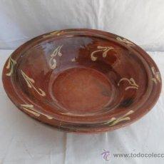 Antigüedades: PRECIOSA PLATA DE CERÁMICA CATALANA.. Lote 32976110
