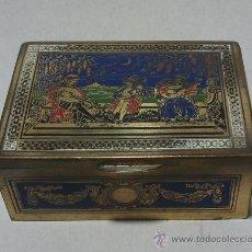 Antigüedades: PRECIOSA CAJITA DE METAL Y ESMALTE.. Lote 32993101