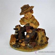 Antigüedades: FIGURA RESINA NIÑO. Lote 33031580
