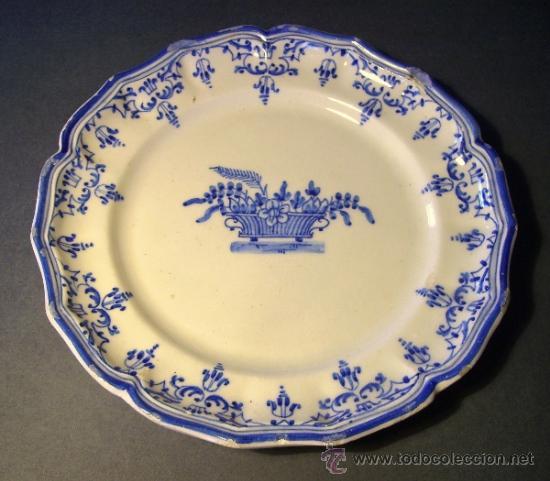 PLATO CERAMICA MANISES TIPO ALCORA (Antigüedades - Porcelanas y Cerámicas - Manises)