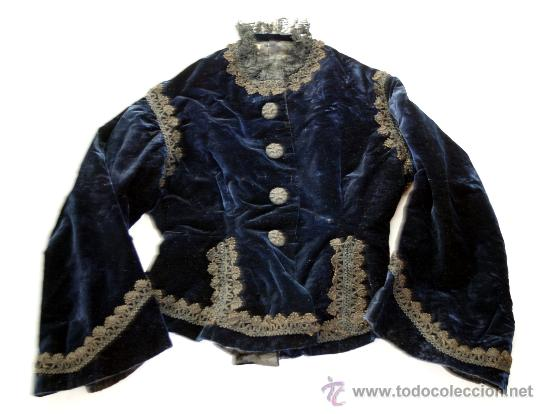 ELEGANTISIMA CHAQUETA DE TERCIOPELO AZUL CON ENCAJE Y PASAMANERÍA - S. XIX (Antigüedades - Moda y Complementos - Mujer)