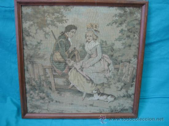Antigüedades: Tapiz de excena romantica. Medidas 45x44´5 cm. Tapiz 43x41cm - Foto 2 - 33082619