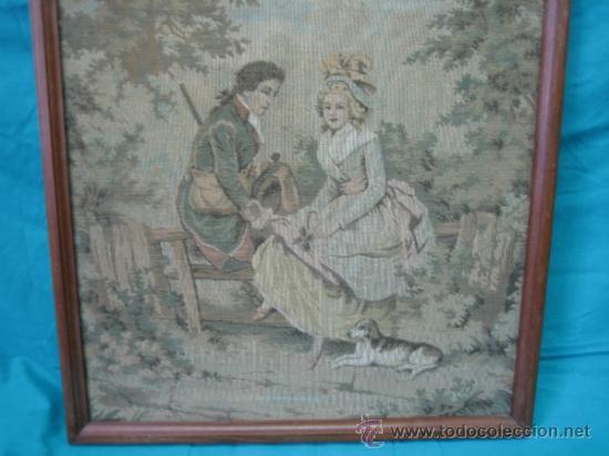 Antigüedades: Tapiz de excena romantica. Medidas 45x44´5 cm. Tapiz 43x41cm - Foto 4 - 33082619