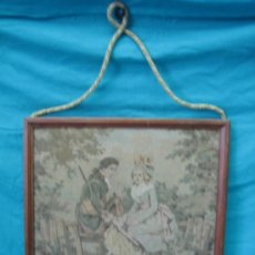 Antigüedades: TAPIZ DE EXCENA ROMANTICA. MEDIDAS 45X44´5 CM. TAPIZ 43X41CM. Lote 33082619