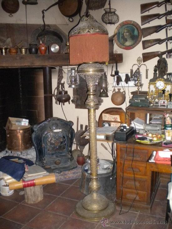 LAMPARA MARROQUI, 200X45 CTMS. TODA CON INSCRIPCIONES ARABES Y ANIMALES,= PELICULA CASABLANCA (Antigüedades - Iluminación - Lámparas Antiguas)