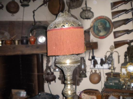 Antigüedades: LAMPARA MARROQUI, 200X45 CTMS. TODA CON INSCRIPCIONES ARABES Y ANIMALES,= PELICULA CASABLANCA - Foto 2 - 33296162