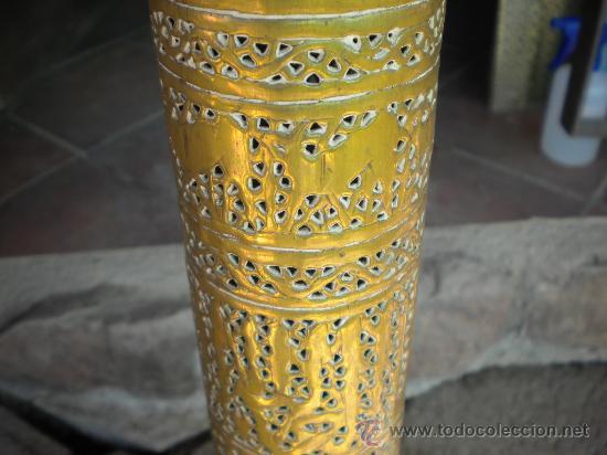 Antigüedades: LAMPARA MARROQUI, 200X45 CTMS. TODA CON INSCRIPCIONES ARABES Y ANIMALES,= PELICULA CASABLANCA - Foto 4 - 33296162