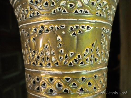 Antigüedades: LAMPARA MARROQUI, 200X45 CTMS. TODA CON INSCRIPCIONES ARABES Y ANIMALES,= PELICULA CASABLANCA - Foto 11 - 33296162