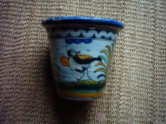 VIEJA MACETA DE CERÁMICA DE TALAVERA FIRMADA POR SASO. 12 X 13 CM. (Antigüedades - Porcelanas y Cerámicas - Talavera)