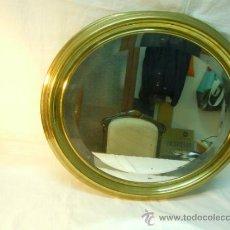 Antigüedades: ESPEJO CON MARCO DE LATON AÑOS 40. Lote 33416785