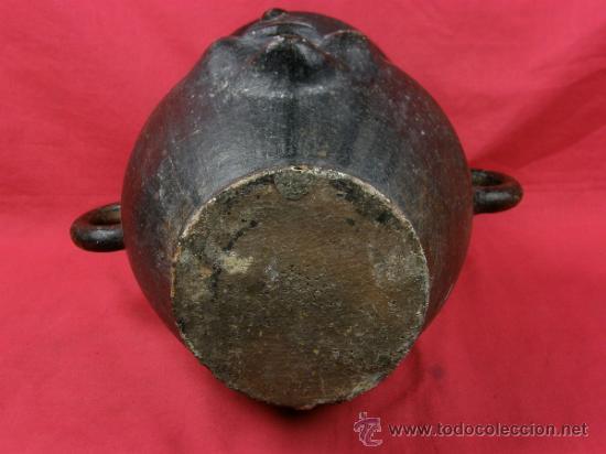 Antigüedades: Jarrón de barro negro con asas circulares y rostro grotesto años 40/50 - Foto 7 - 33416886