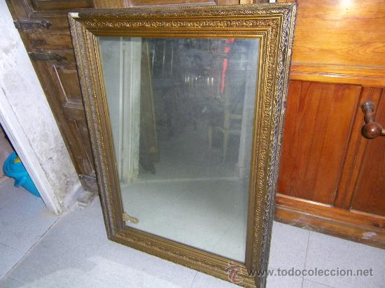Espejo biselado con marco dorado antiguo comprar espejos for Espejo marco dorado