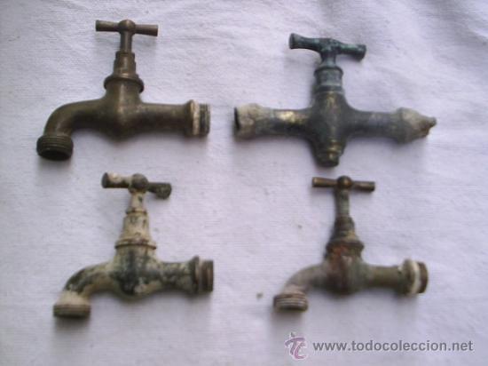 3 grifos y una llave de paso antiguos de bronce comprar for Grifos de metal