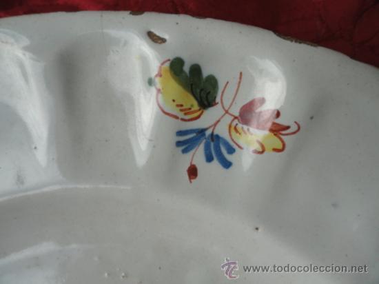 Antigüedades: PRECIOSA Y ANTIGUA PLATA DE CERÁMICA DE ALCORA. - Foto 9 - 33493815