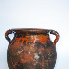 Antigüedades: ANTIGUA OLLA DE BARRO VIDRIADO PARA COCINAR DIRECTAMENTE EN EL FUEGO, 2 ASAS,18 CM. ALT.X16,5 DIÁMET. Lote 33521725