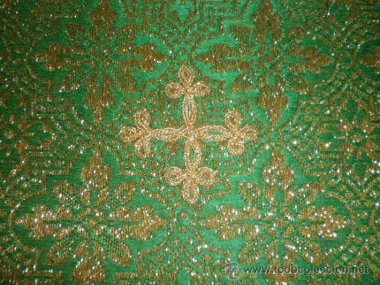 Antigüedades: centro de tela verde bordado en oro - Foto 9 - 33528983