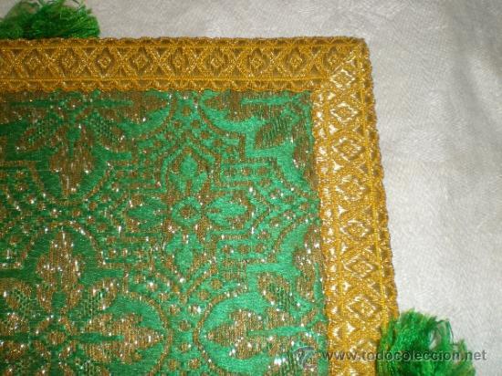 Antigüedades: centro de tela verde bordado en oro - Foto 4 - 33528983