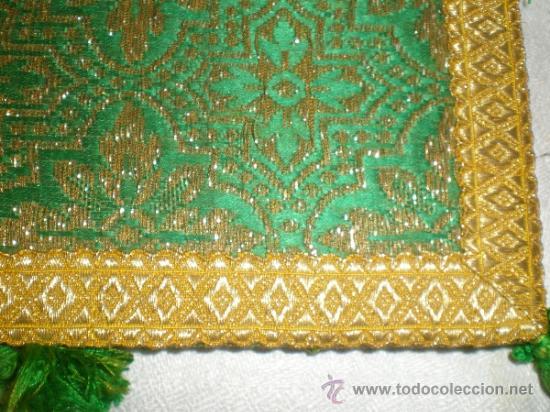 Antigüedades: centro de tela verde bordado en oro - Foto 3 - 33528983