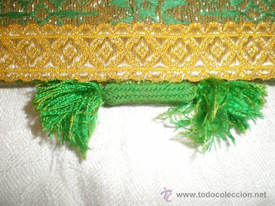 Antigüedades: centro de tela verde bordado en oro - Foto 8 - 33528983
