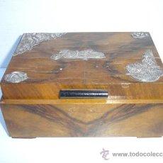 Antigüedades: CAJA MADERA RAIZ DE NOGAL ARTEDECO CON PLATA. Lote 33599142