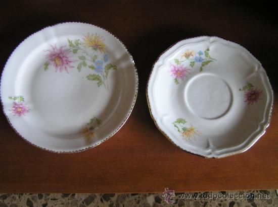 Antigüedades: Conjunto de dos platitos con decoraciones florales y filete dorado. Hispania. - Foto 2 - 33654884