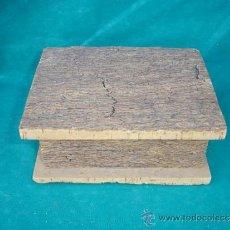 Antigüedades: CAJA ARTESANAL DE CORCHO. Lote 33664088