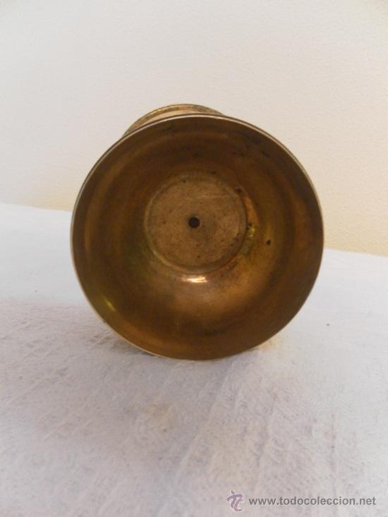 Antigüedades: Antiguo Cáliz o Copón de latón. Siglo XVIII. - Foto 4 - 33664486