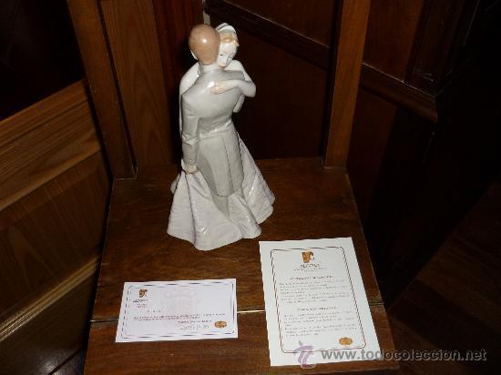 ESPECTACULAR FIGURA PORCELANA ALGORA NOVIOS TARTA NUPCIAL H. PALACE IMPOSIBLE!!! (Antigüedades - Porcelanas y Cerámicas - Algora)