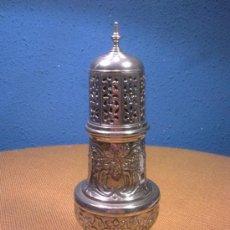 Antigüedades: SALERO O ESPECIERO METALICO DESMONTABLE. Lote 33693930