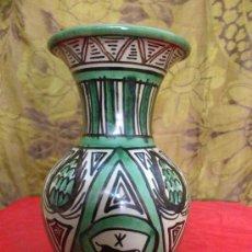 Antigüedades: JARRON PUNTER CERAMICA DE TERUEL. VER FOTOS.... Lote 33715525
