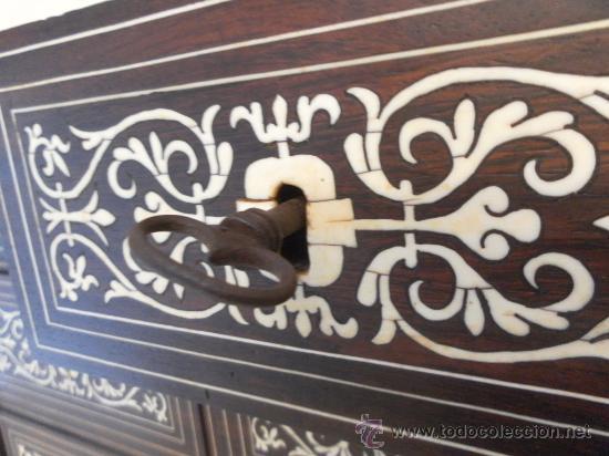 Antigüedades: Arquilla papelera. Hispano filipina. Siglo XVIII. De jacaranda o palisandro de rio, con marquetería - Foto 21 - 33780861