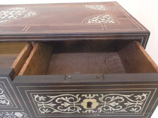 Antigüedades: Arquilla papelera. Hispano filipina. Siglo XVIII. De jacaranda o palisandro de rio, con marquetería - Foto 15 - 33780861