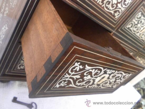 Antigüedades: Arquilla papelera. Hispano filipina. Siglo XVIII. De jacaranda o palisandro de rio, con marquetería - Foto 25 - 33780861