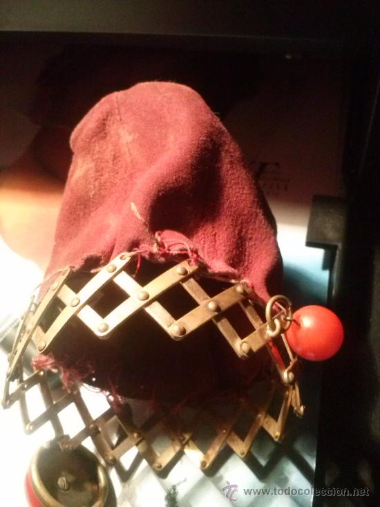 Antigüedades: Antiguo monedero tipo bolsa; terciopelo color vino; cierre tipo malla metálica extensible... - Foto 2 - 51380431